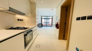 Brand New| Fitted Kitchen| Front View| Top Quality